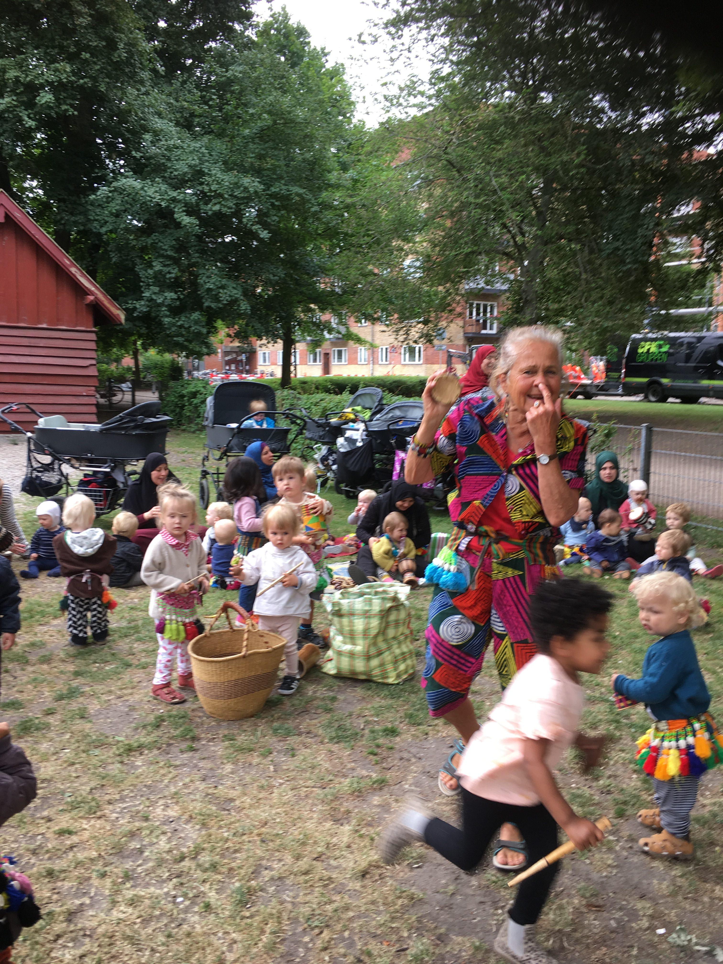Jungletrommer Og Dans For Børn