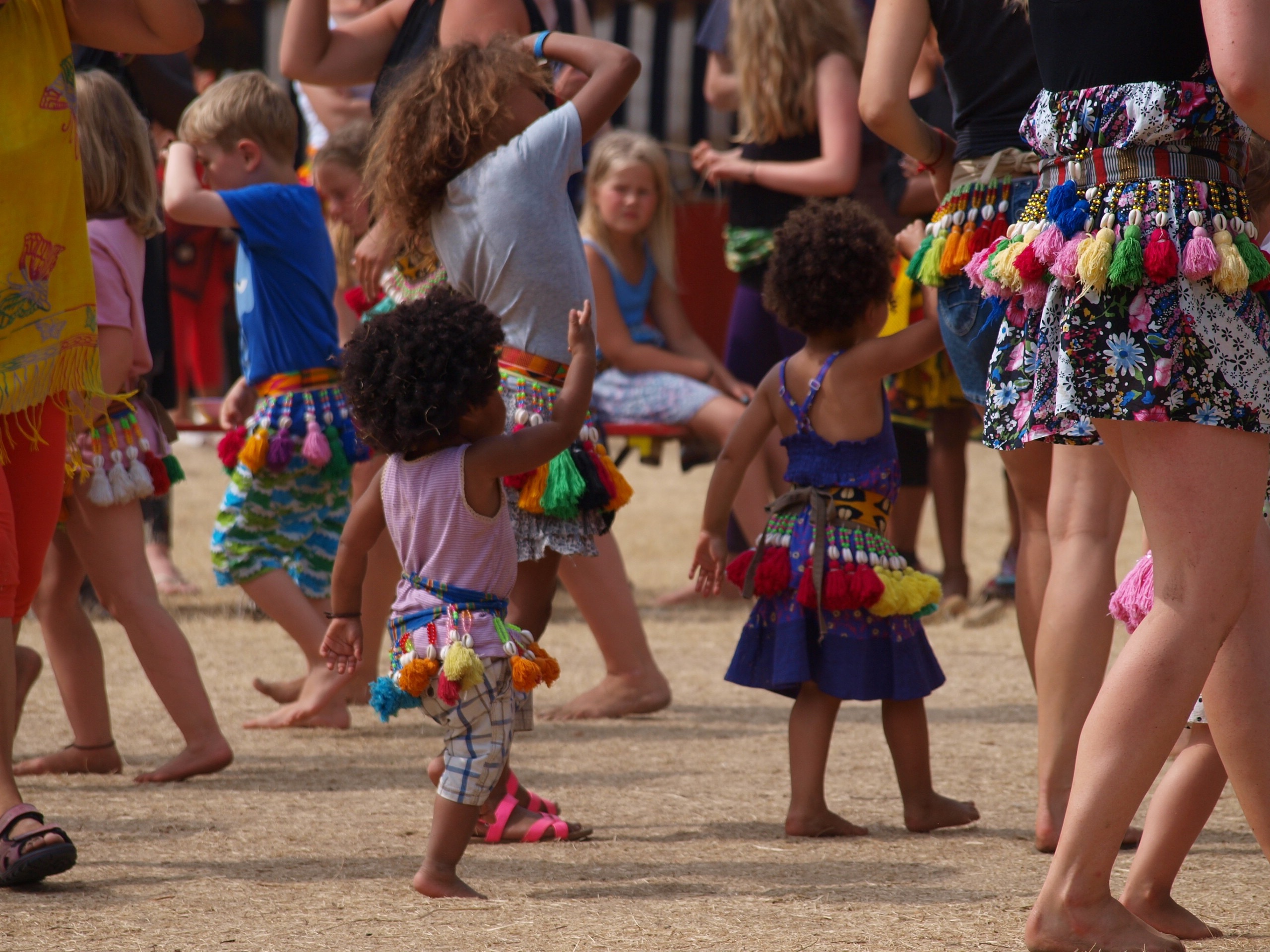 99cc377f326 Jungletrommer og dans for børn på H. T. Legeplads øst